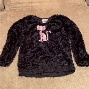 Black fluffy top girls Sz 6 with pink sequin cat